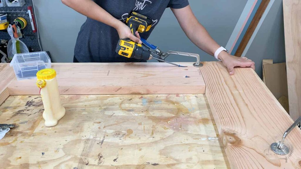 building the countertop by joining boards with pocket hole screws
