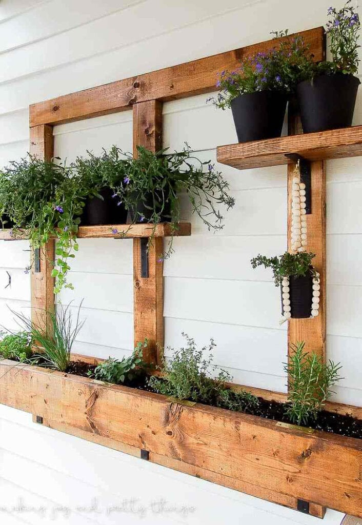 Small space vertical garden using 2x4s