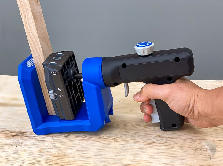 the versa grip on the 520 to clamp workpiece into the jig