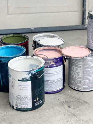 Picking and buying the right paint and quantity can be overwhelming. Here my 5 important tips to consider and help you buy right!
