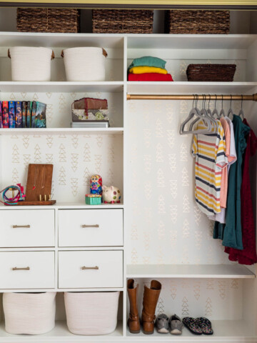 Do you need a way to organize your closet but don't want to spend too much money? Follow this DIY closet organizer tutorial to show you how to make an easy and customizable wood organizer for your clothes.