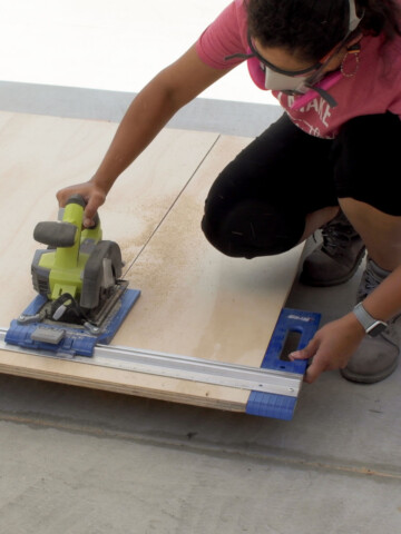 You don't need a workbench or large workshop! Learn how to use a circular saw without a table and make good-quality cuts easily.