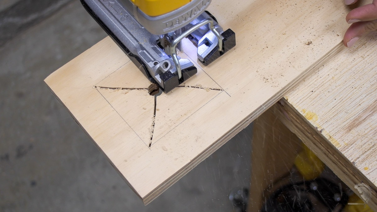 Cutting a rectangle using a jigsaw by making relief cuts